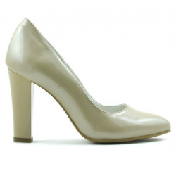 Women stylish, elegant shoes 1214 patent beige02