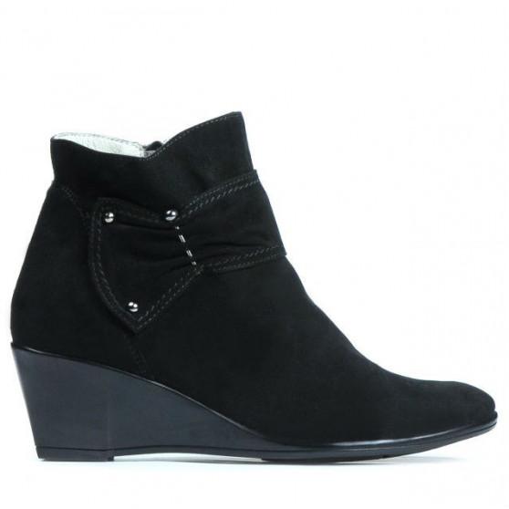 Women boots 242 black velour