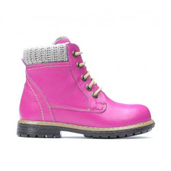 Small children boots 29c pink