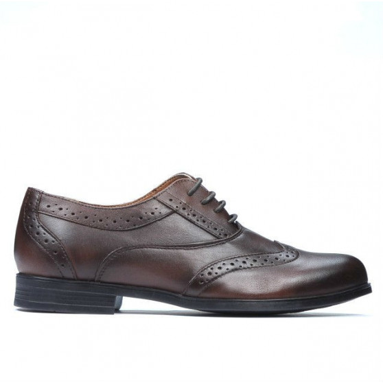 Teenagers stylish, elegant shoes 393 a brown