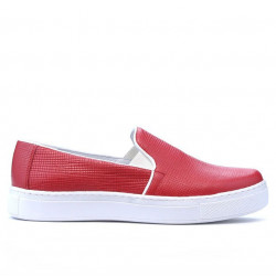 Women sport shoes 658 red p