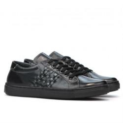 Women sport shoes 690 black