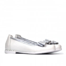 Children shoes 174 white pearl combined