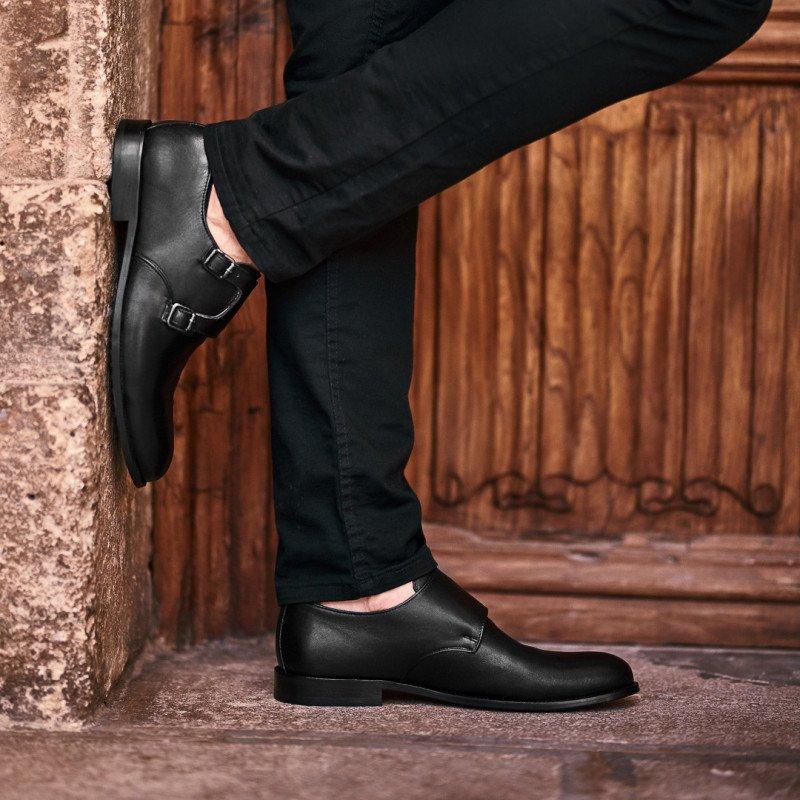 Pantofi eleganti barbati 840 negru lifestyle