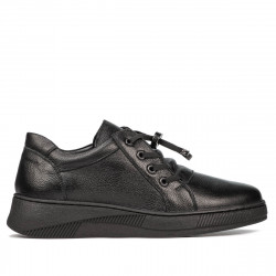 Teenagers stylish, elegant shoes 378 black