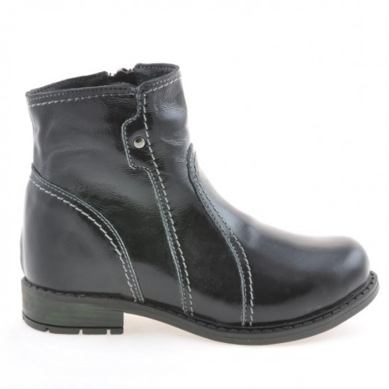 Small children boots 28c patent black