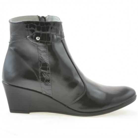 Women boots 239 patent black