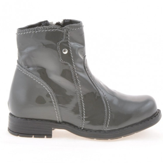 Small children boots 28c patent gray