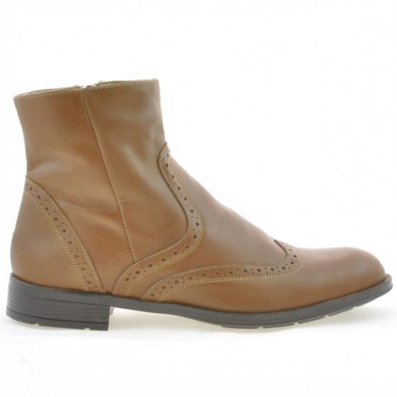Men boots 477 a cafe