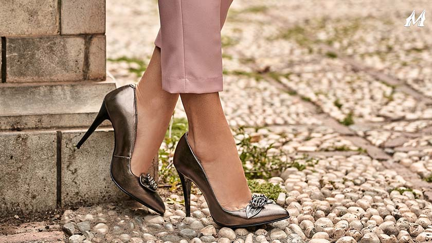 Learn to walk on heels correctly and quickly: here are our tips!