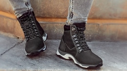 How can you wear boots to various men's outfits in the cold season?